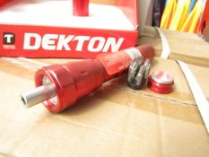 1x Dekton 6 LED ratchet torch with 6 Screw driver Bits in the base, new
