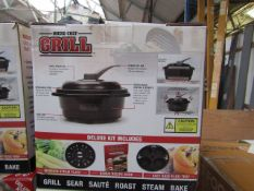 | 7X | MICRO CHEF GRILLS DELUXE KIT | UNCHECKED RETURNS | NO ONLINE RESALE | REF-AKW104 | RRP £29.99