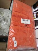 Set of 2x Kingsley pedestal mats, new and packaged.