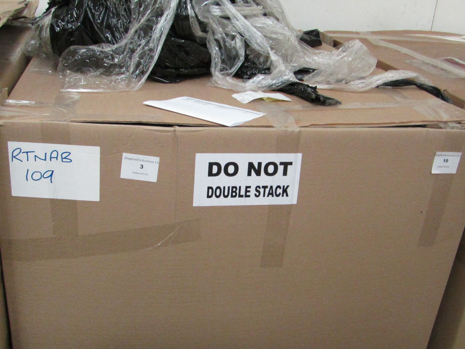 | 1x | PALLET OF APPROX 34 AIRBEDS | UNCHECKED CUSTOMER RETURNS | REF RTNAB109 | please note that