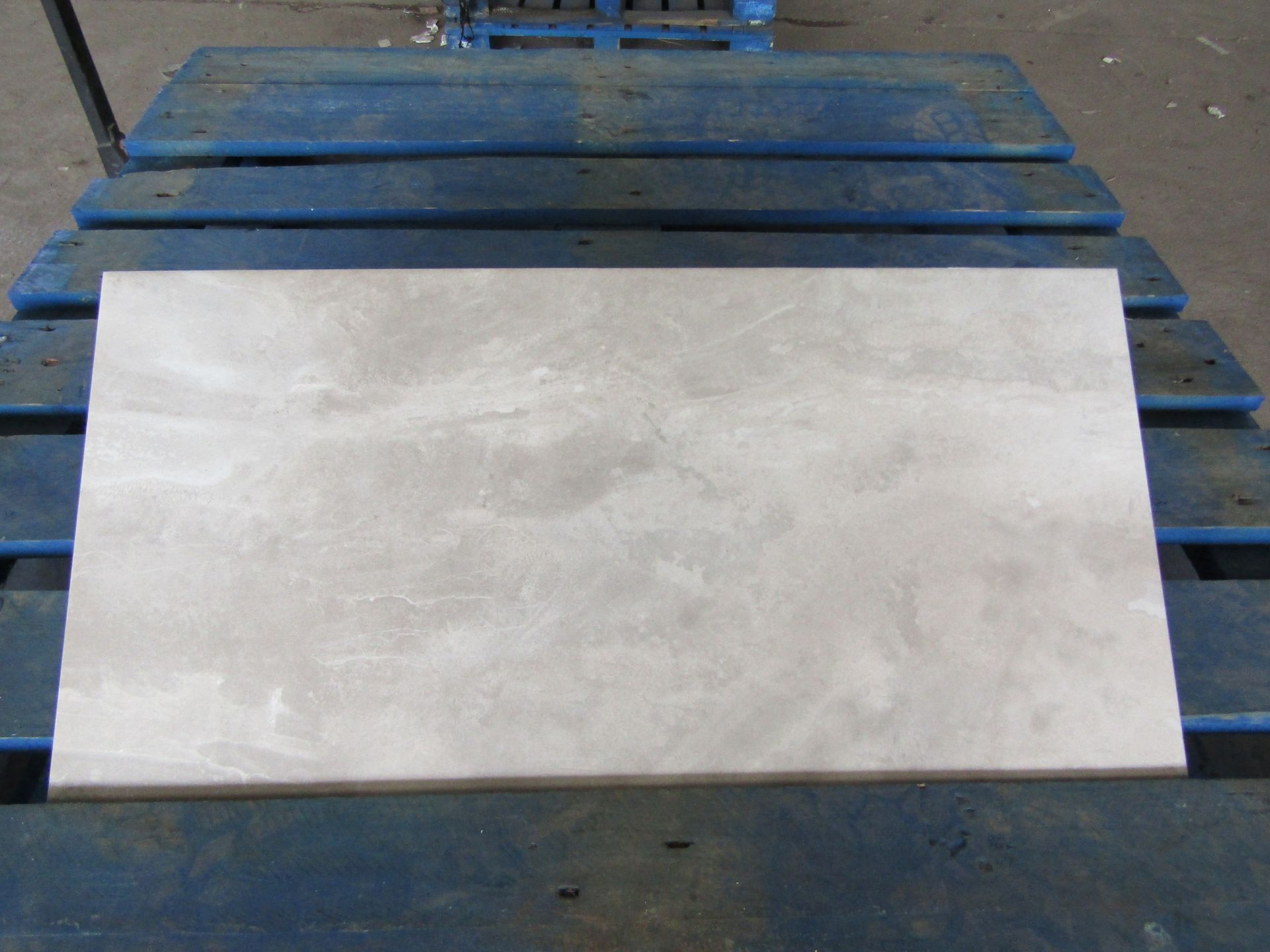 Pallet of 40x Packs of 5 Stoneware Flint Silk 300x600 wall and Floor Tiles By Johnsons, New, the
