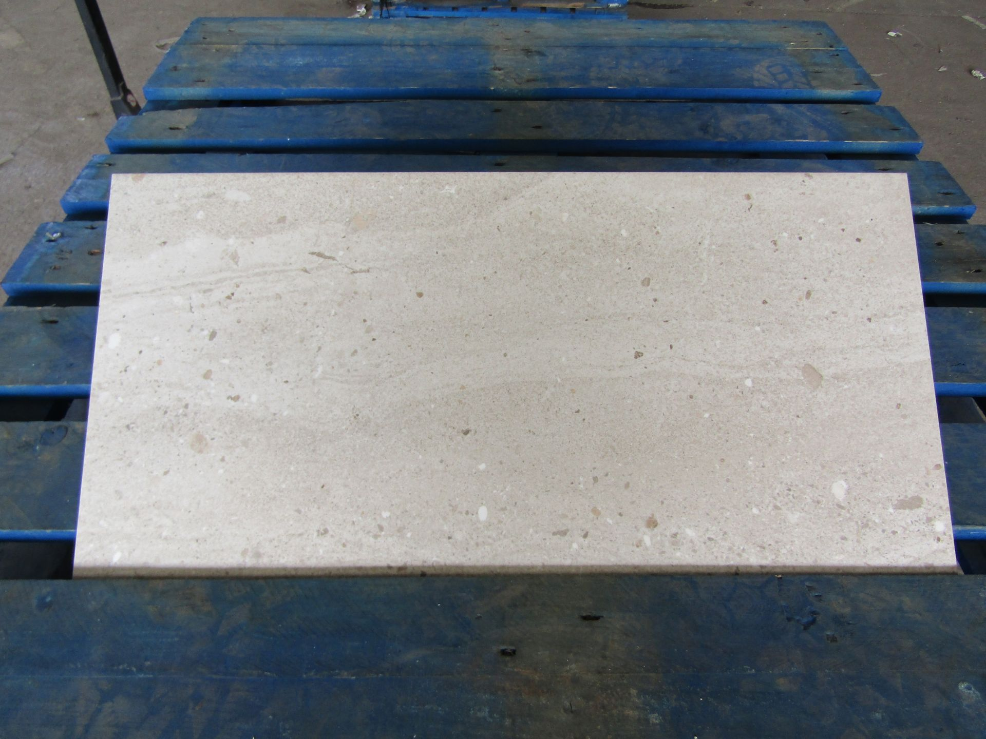 Pallet of 40x Packs of 5 Conglomerate warm Sands Matt Finish 300x600 wall and Floor Tiles By