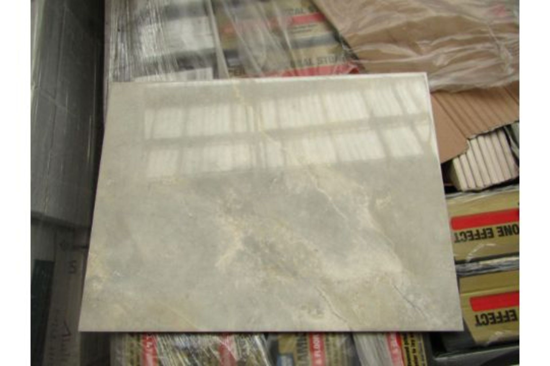 Pallet of 24x Packs of 8 Onyx Gloss 400x300 wall and Floor Tiles By Johnsons, New, the pallet weighs
