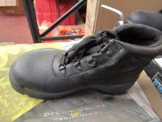 Globe Trotter steel toe cap boots, new, size 3