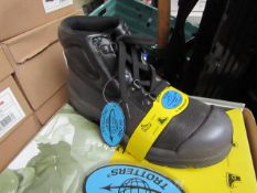 Globe trotter Steel toe cap safety boots new an boxed, size 6