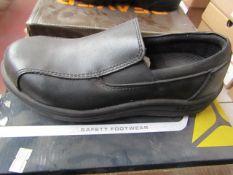 Delta Plus Steel toe cap slip on shoes, new size 3