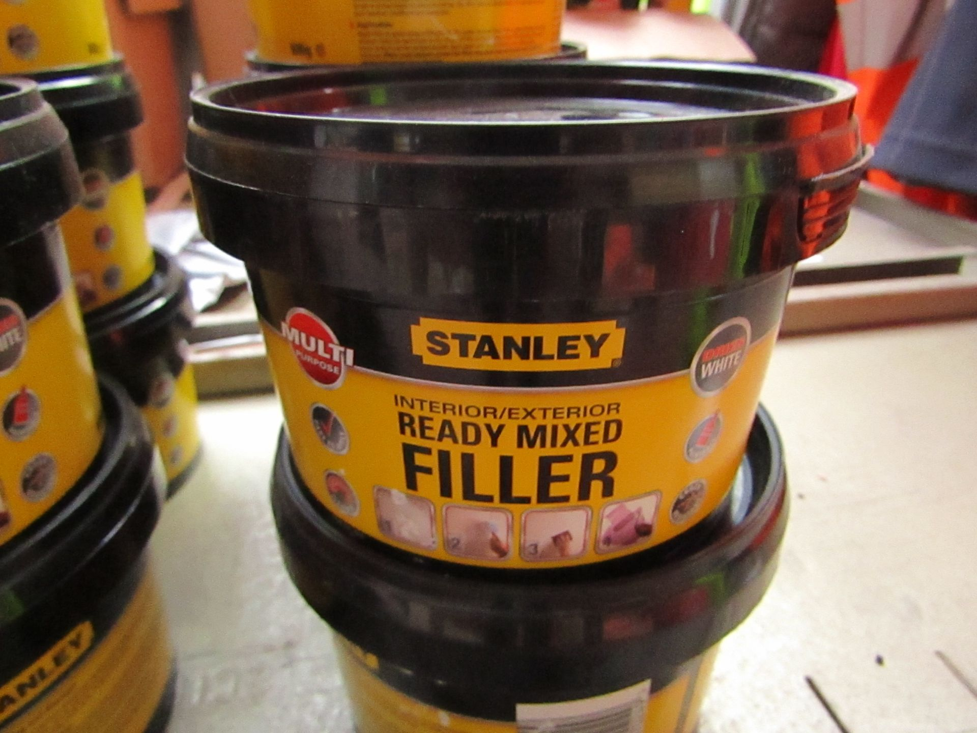 Lot 57 - 5x 600g tubs of Stanley Multi Purpose ready Mixed Interor and Exterior filler, new