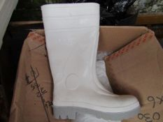 Pair of White steel toe cap wellies, new size 3