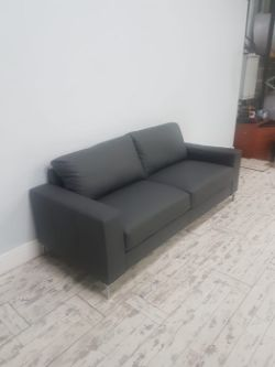 2x Lots being Wagon loads of Sofas with direct delivery included in the winning bid