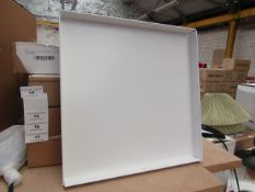 | 1X | E15 CM04 SQUARE TRAY SIGNAL WHITE | LOOKS UNUSED (NO GUARANTEE), BOXED | RRP £299.04 |
