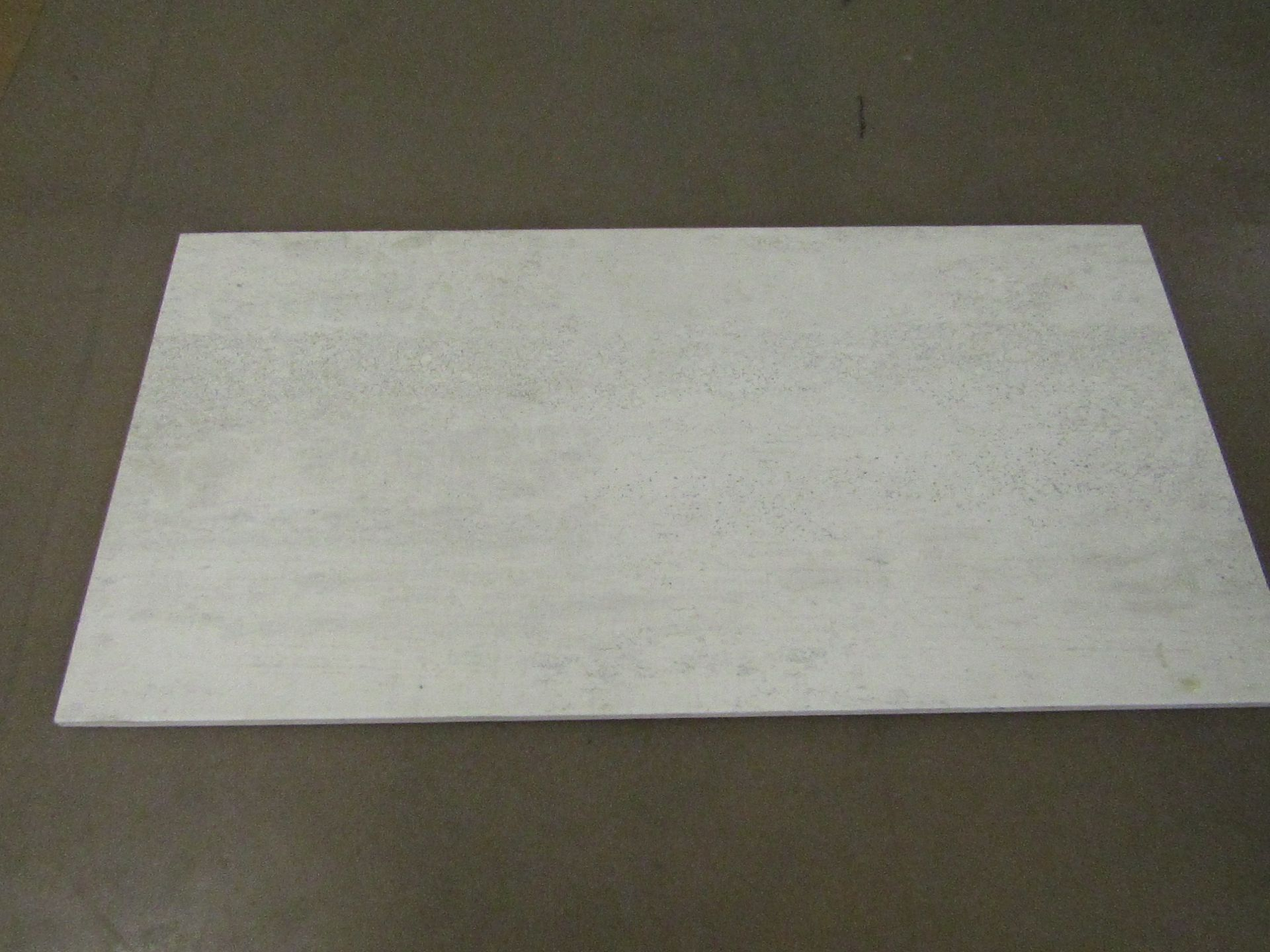 Pallet of 40x Packs of 5 Ashlar Weathered White Tex tured 300x600 wall and Floor Tiles By