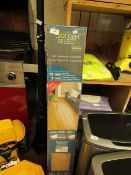 Golden Select Oak Laminate Flooring. 121cm length 16cm Wide. 6 Pieces. Unused & Boxed