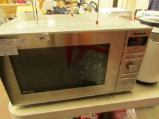 Panasonic - NN-GD37HS - Eco 1000W Microwave/Grill RRP £139.00 @ Robert Dyas- Small Dint on Top &