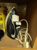 Philips Powerlife 2400w Iron. Powers on & Heats up.
