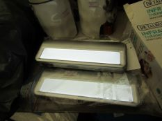 4 x Capstone LED Accent Lights. Req 3 AA Batteries each.