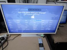 """Toshiba 32W3864DB 32"""" smart LED TV, tested working wth remote control, stand and original box."""