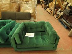 | 1X | SWOON EMERALD GREEN ARM CHAIR | REQUIRES A CLEAN BUT OTHER THAN THAT APPEARS TO BE IN GOOD