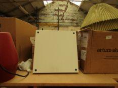| 1X | E15 CM04 SQUARE TRAY SIGNAL WHITE | LOOKS UNUSED (NO GUARANTEE), BOXED | RRP £299.04 |
