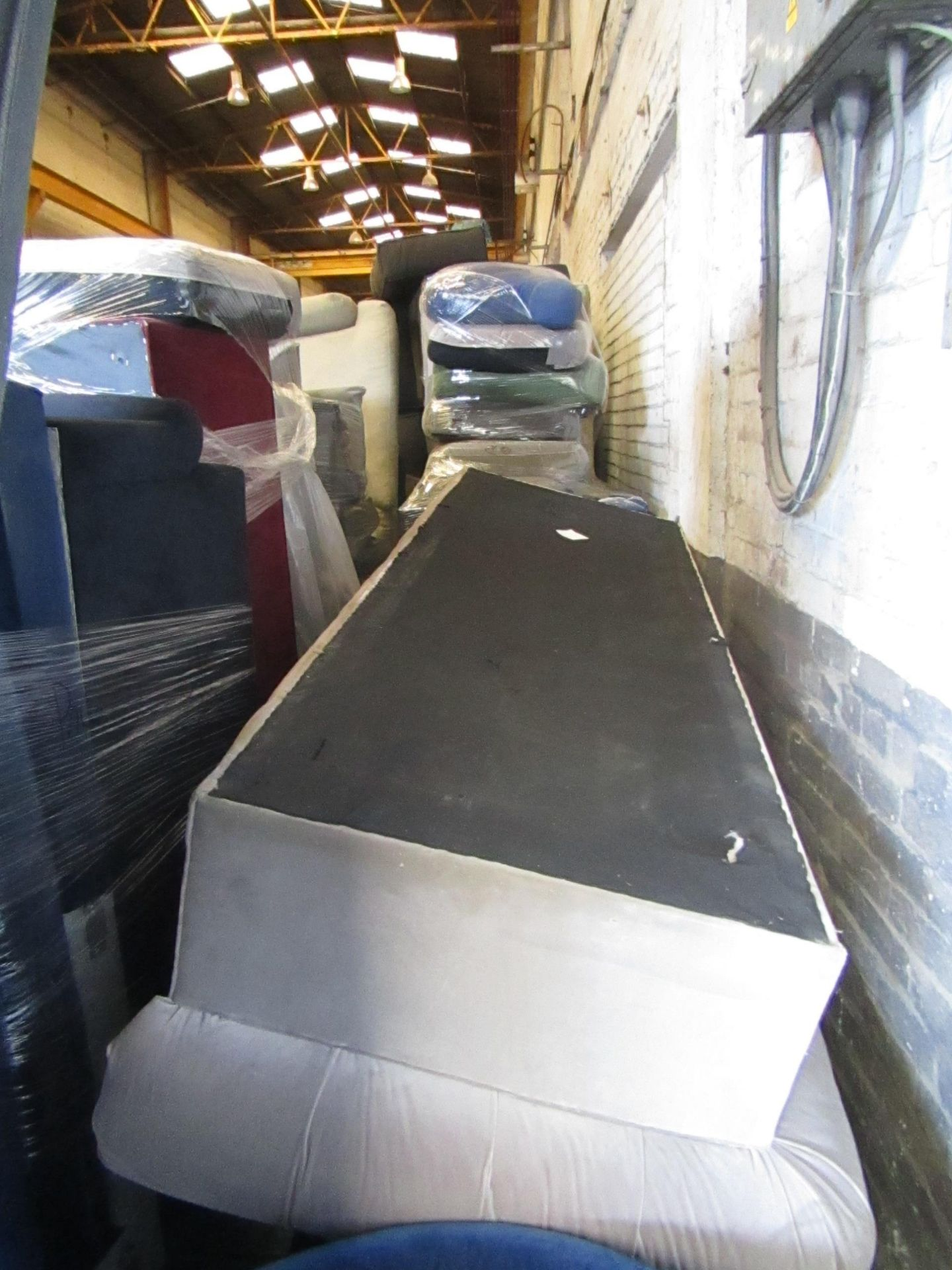 | 13X | PALLETS OF SWOON BER SOFAS, THESE ARE CUSTOMER RETURNS SO COULD HAVE MINOR DAMAGE, MAJOR - Image 3 of 11