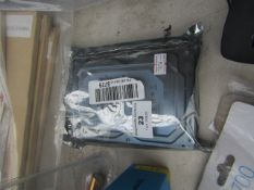 Sonnics 320GB hard drive, untested.