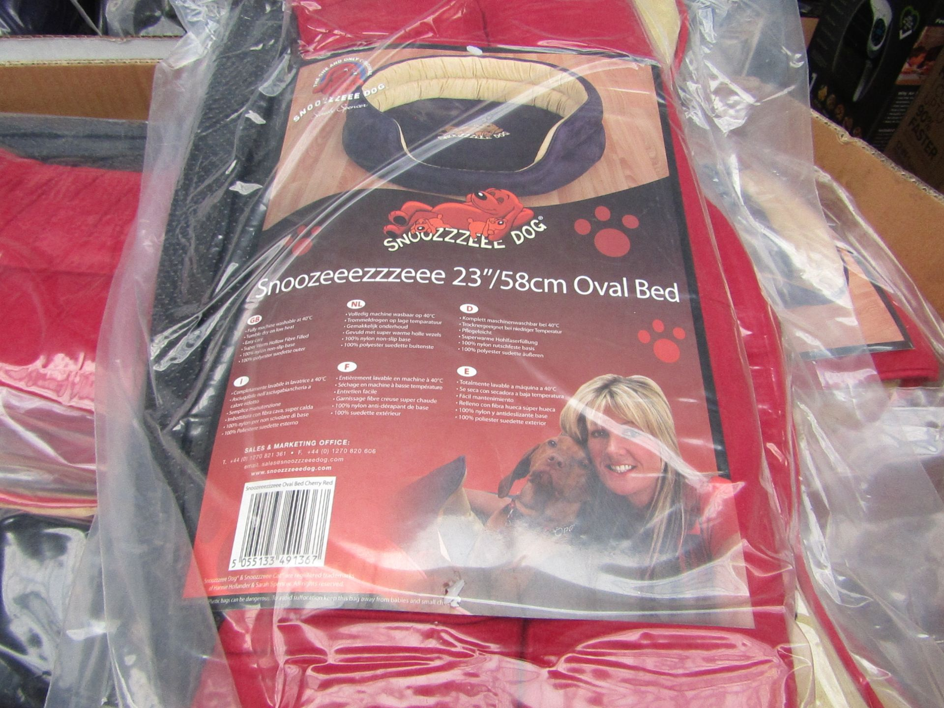 """5x Snoozzzeee Dog - Oval Cherry Red Dog Bed (23""""/58cm) - All New & Packaged."""