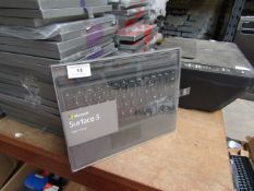 Microsoft Surface 3 type cover, AZERTY keyboard, untested and packaged.