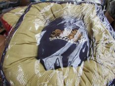 5x Snoozzzeee Dog - Purple Donut Dog Bed (Size 1) - All New & Packaged.