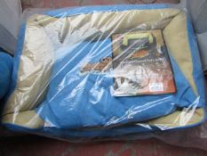 """3x Snoozzzeee Dog - Sofa Sky Blue Dog Bed (27"""") - All New & Packaged."""