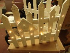 Urban Living Battery Operated Light up Christmas Fence. 92cm Long x 40cm Tall. With 30 LED Lights.