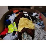 Pallet of approx 300 pieces of various clothing, these pallets usually contain a mixture of mens,