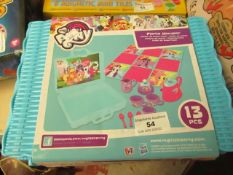 My Little Pony Picnic Hamper. Comes in a carry acse