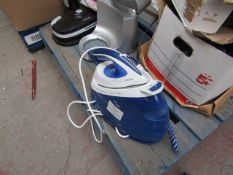 Philips PerfectCare Performer steam generator iron, powers on but not tested any further.