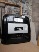 Hostess ice maker, powers on with power cable and shovel. RRP £99.99