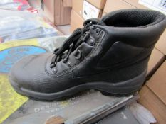Globe Trotter steel toe cap boots - Size 3 - New & Boxed.