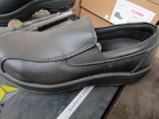 Delta Plus Steel toe cap slip on shoes - Size 3 - New & Boxed.