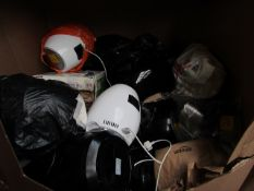 | 1X | PALLET OF APPROX 25-30 VARIOUS AIR FRYERS, NUTRIBULLETS, ALL RAW CUSTOMER RETURNS LOOSE OR