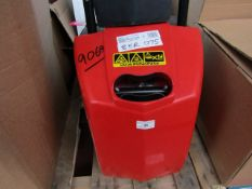 CL WASH HARRY 230V 2 9069 This lot is a Machine Ma