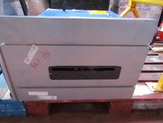 CL TABLE CTS16 230V 9055 This lot is a Machine Ma