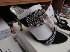 Unze by Shalamar Shoes Ladies Black & Diamante Shoes size 5 new & boxed see image for design