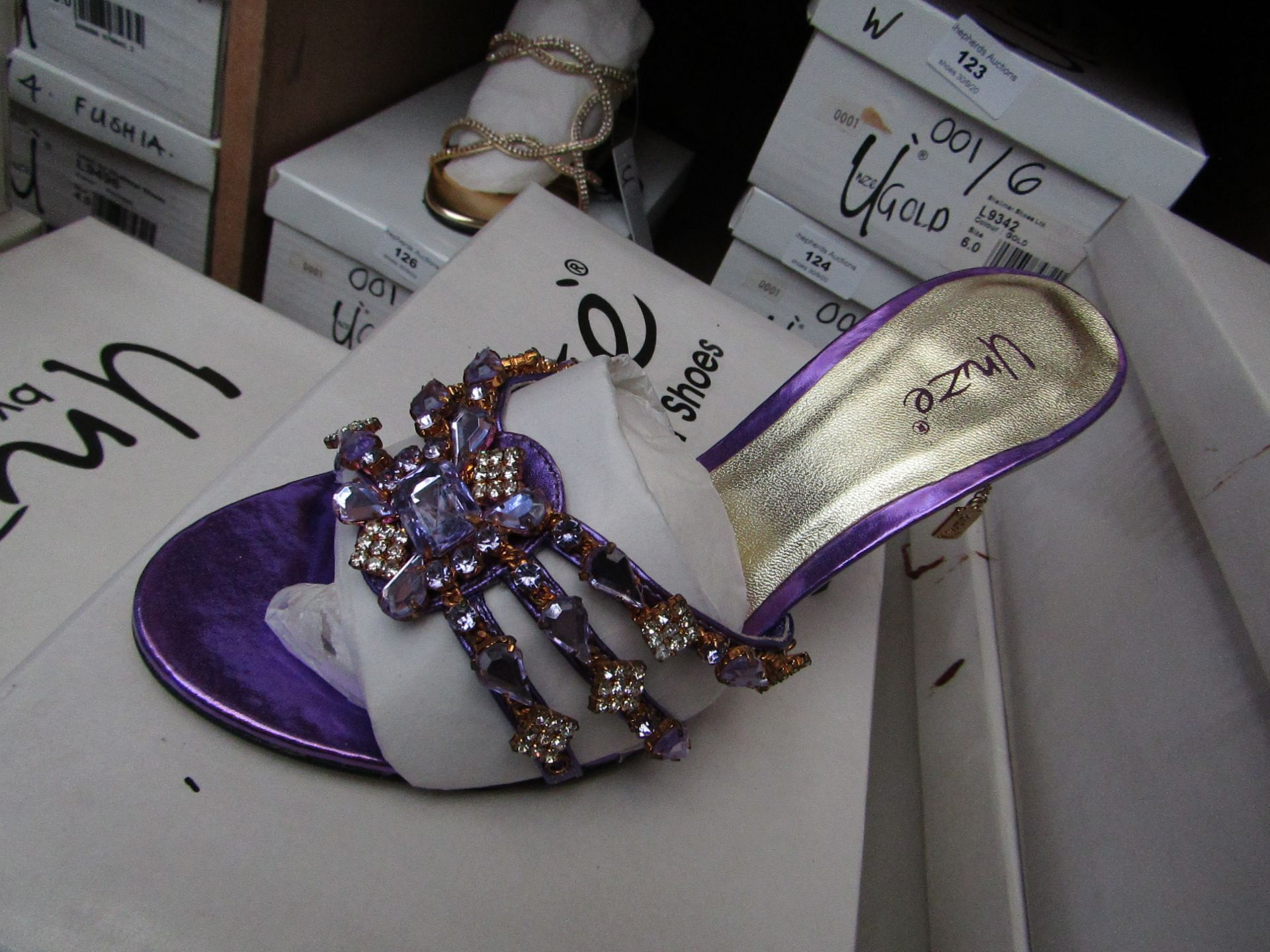 Unze by Shalamar Shoes Ladies Lilia & Embellished Shoes size 6 new & boxed see image for design