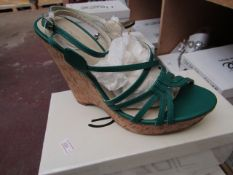 Zaif by Shalamar Shoes Ladies Green Wedge Shoes size 4 new & boxed see image for design