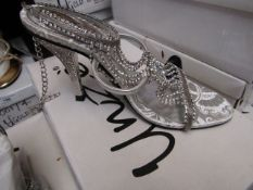 Unze by Shalamar Shoes Ladies Silver & Embellished Shoes size 3 new & boxed see image for design