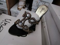 Unze by Shalamar Shoes Ladies Black & Embellished Shoes size 8 new & boxed see image for design