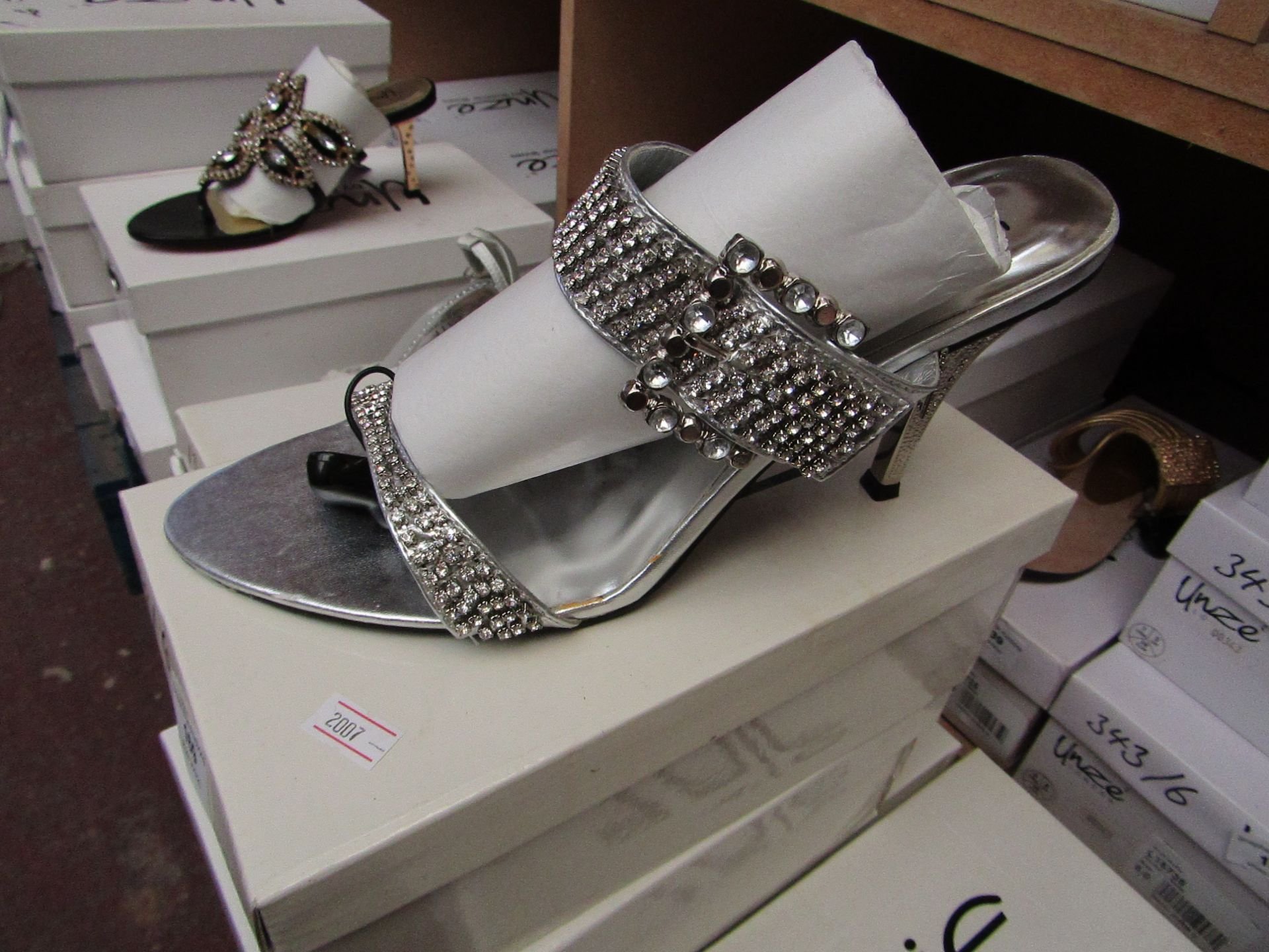 Unze by Shalamar Shoes Ladies Silver & Diamante Shoes size 7 new & boxed see image for design