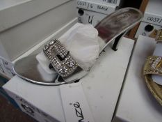 Unze by Shalamar Shoes Ladies Silver & Diamante Shoes size new & boxed see image for design