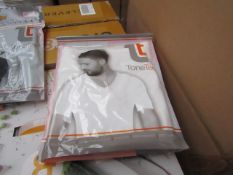 | 48x | TONE TEE V NECK COMPRESSION T-SHIRT WHITE XL | PACKAGED & BOXED | SKU 1508038582739 | RRP £