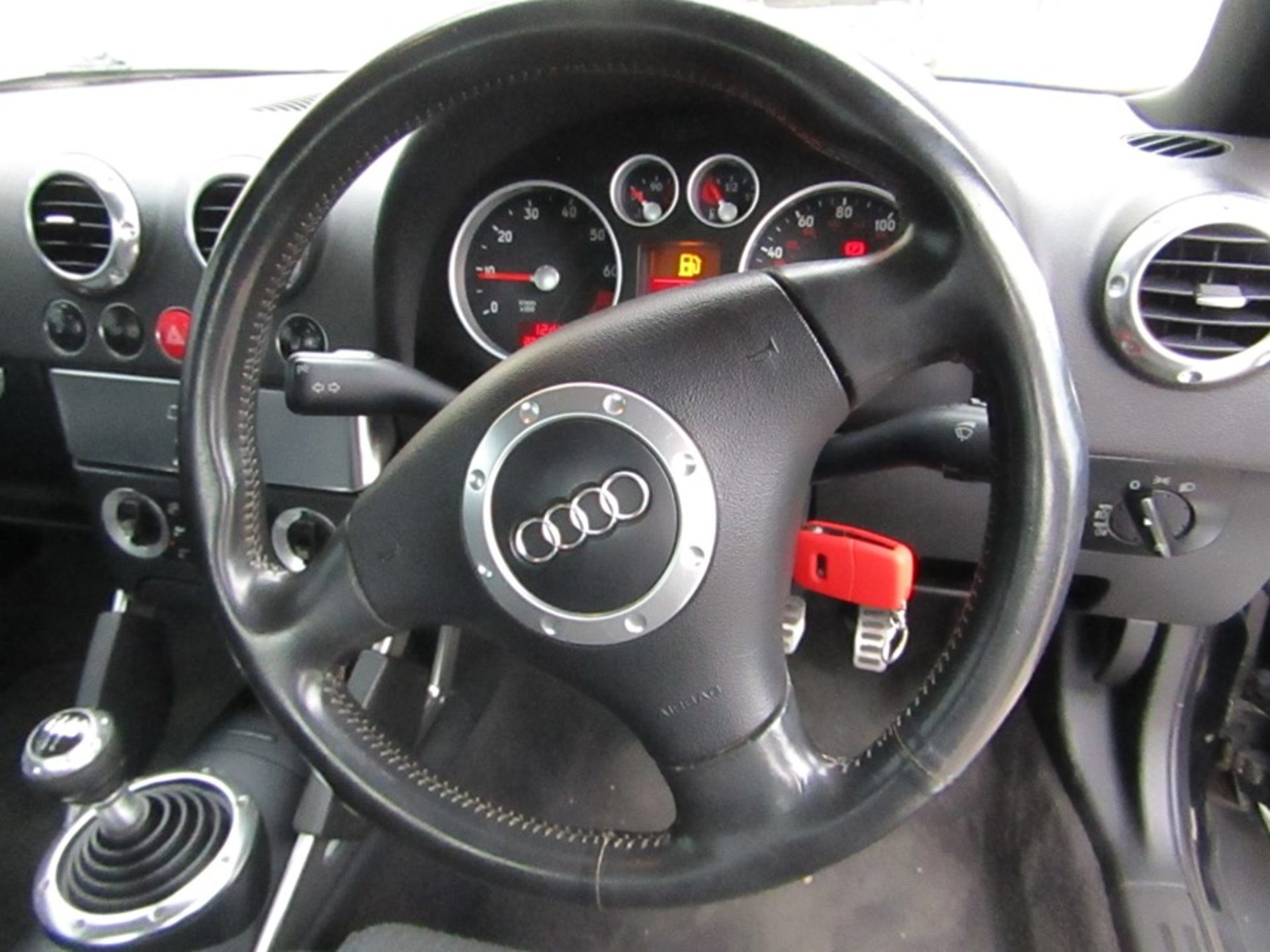 2005 Audi 1.8i Convertible roadster, 131,608 Miles (unchecked) MOT until 01/06/2021, Has part - Image 7 of 16
