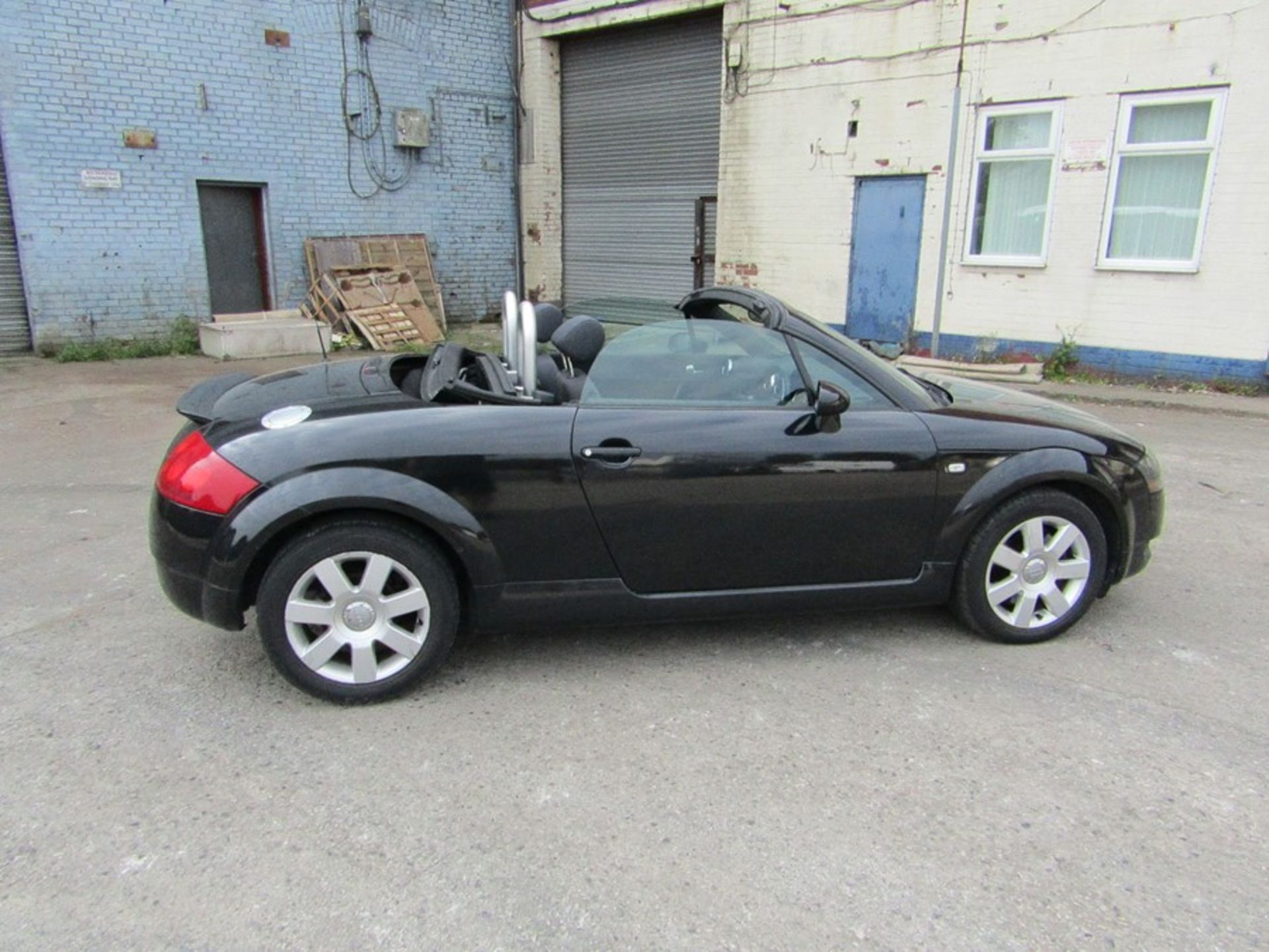 2005 Audi 1.8i Convertible roadster, 131,608 Miles (unchecked) MOT until 01/06/2021, Has part - Image 13 of 16