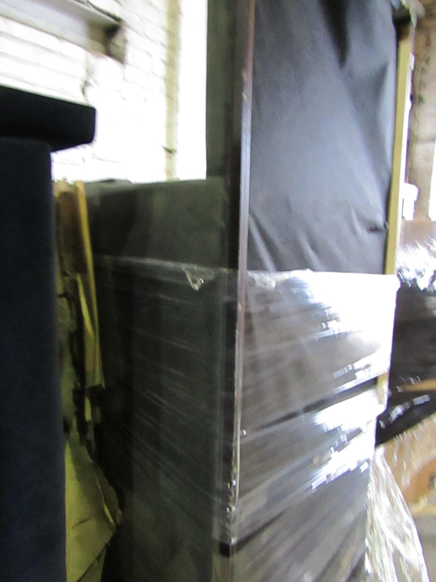 | 5X | PALLETs OF SWOON B.E.R SOFAS, UNMANIFESTED, WE HAVE NO IDEA WHAT IS ON THESE PALLETS, IF THEY - Image 3 of 5
