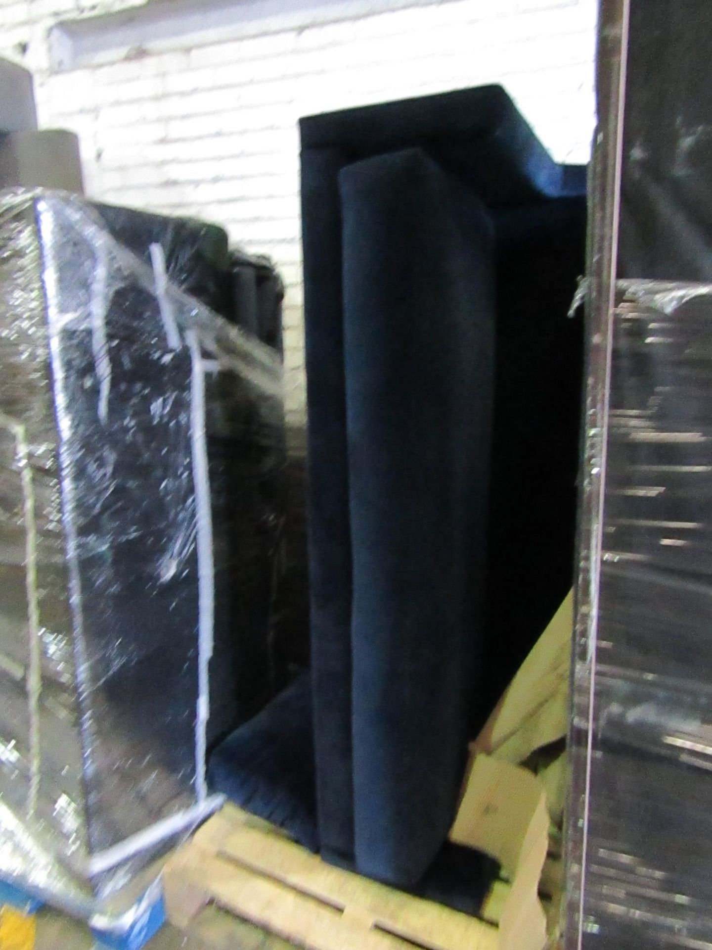 | 5X | PALLETs OF SWOON B.E.R SOFAS, UNMANIFESTED, WE HAVE NO IDEA WHAT IS ON THESE PALLETS, IF THEY - Image 2 of 5